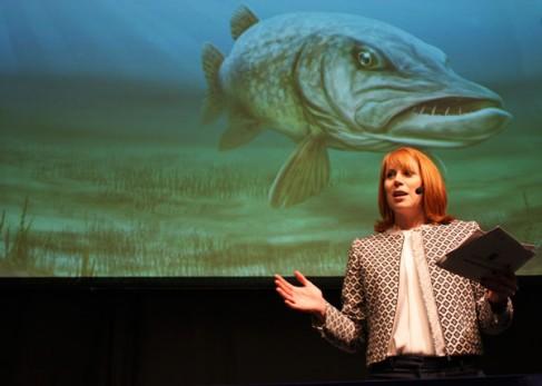 Annie Lööf på Sportfiskemässan